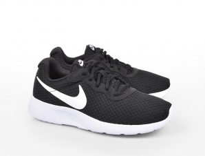 Nike – NIKE TANJUN – BLACK/WHITE